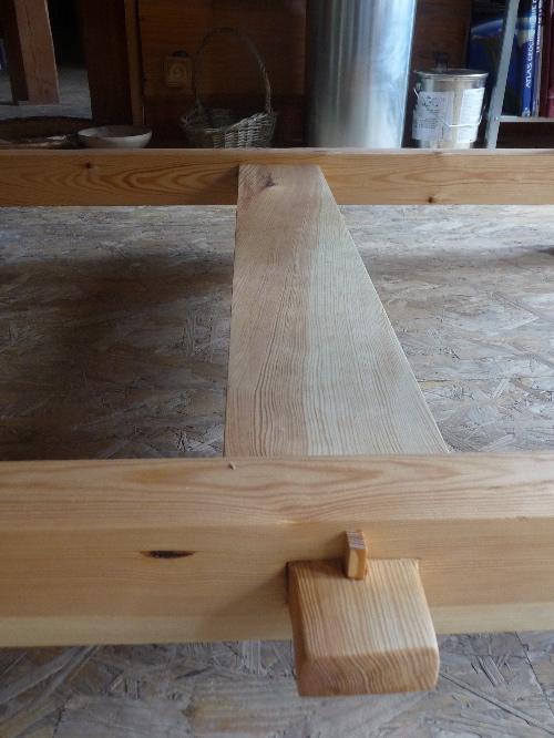 table en bois  tadelakt à vendre, artisan, atelier tadelakt, meuble, baignoire tadelakt, vasque tadelakt table