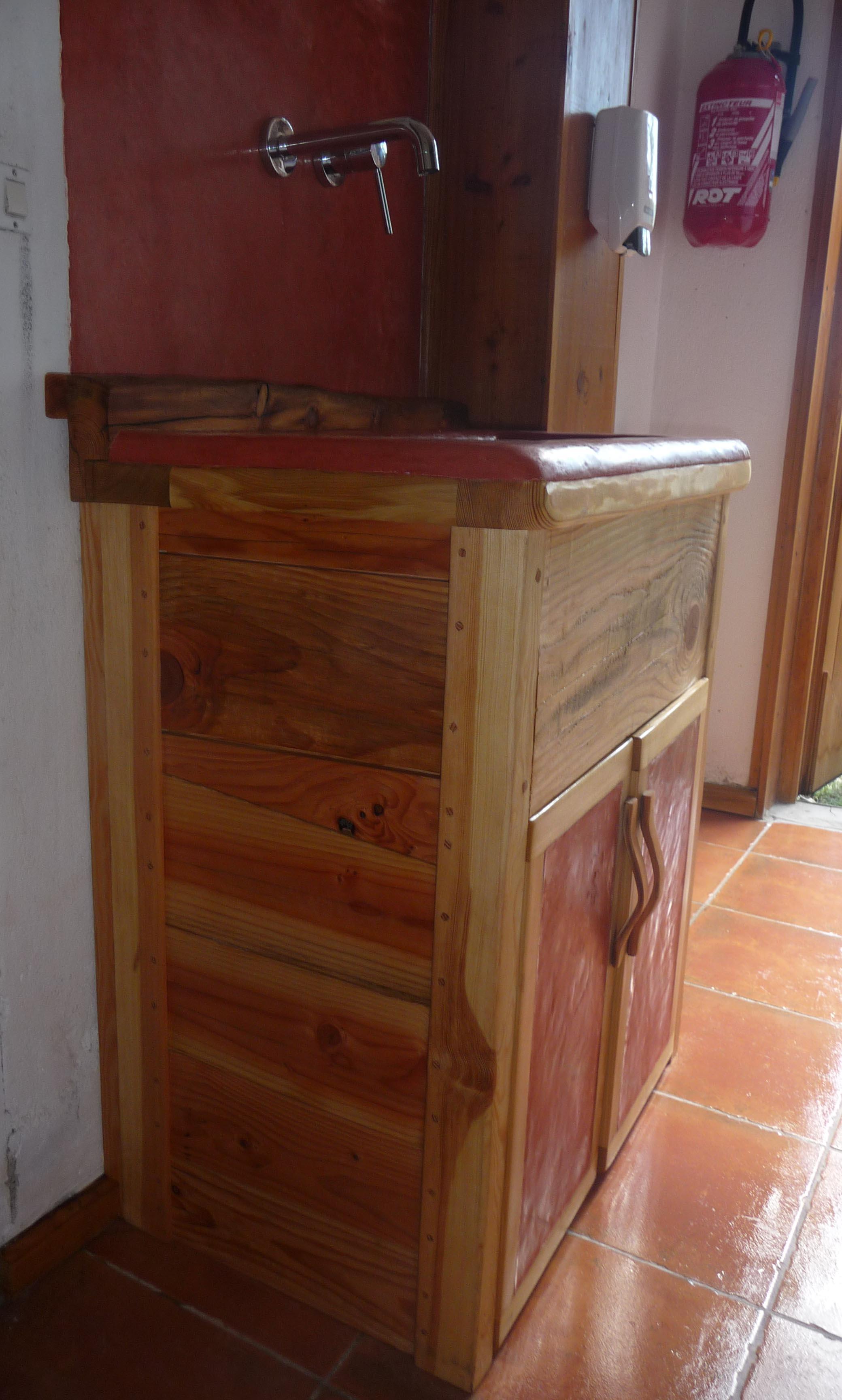 hammam tadelakt meuble bois tadelakt vasques en tadelakt baignoire en tadelakt table et. Black Bedroom Furniture Sets. Home Design Ideas